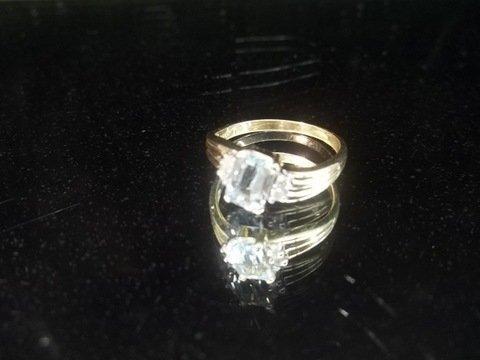 14kt Gold Topaz Ring