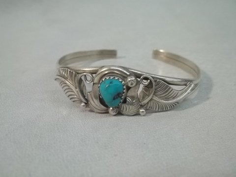 24: Native American Sterling Turquiose Bracelet