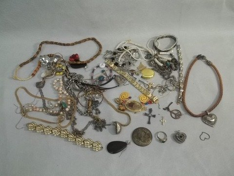8: Huge Mixed Jewelry Lot