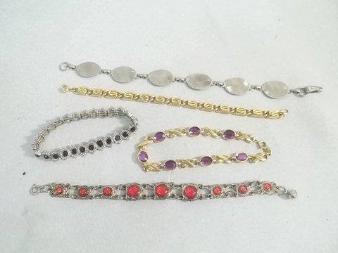 15: 5 Bracelets in 1 Lot