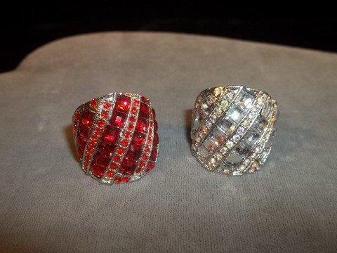 2: 2 Rhinestone Rings