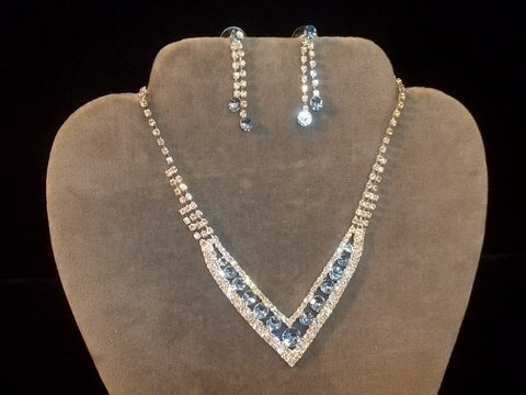 3: Nice Rhinestone Necklace Earrings