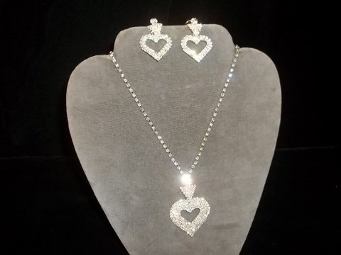 12: Rhinestone Heart Necklace Earrings