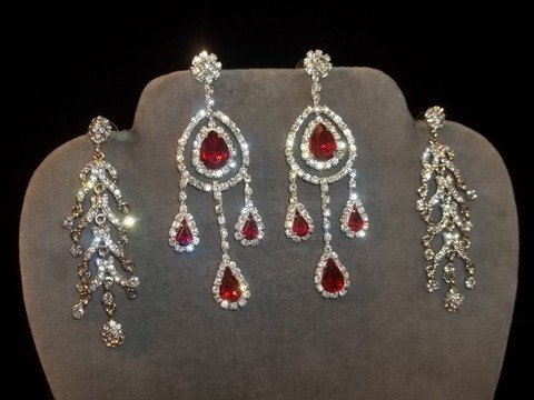 18: Rhinestone Chandelier Earrings 2 Sets