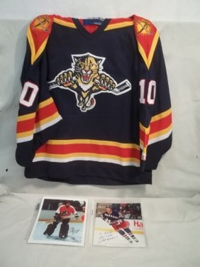 Autographed Hockey Photos W/Jersey Pavelbure