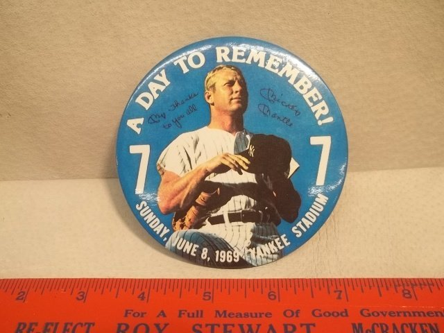11: 1969 Vintage Mickey Mantle Pinback Button