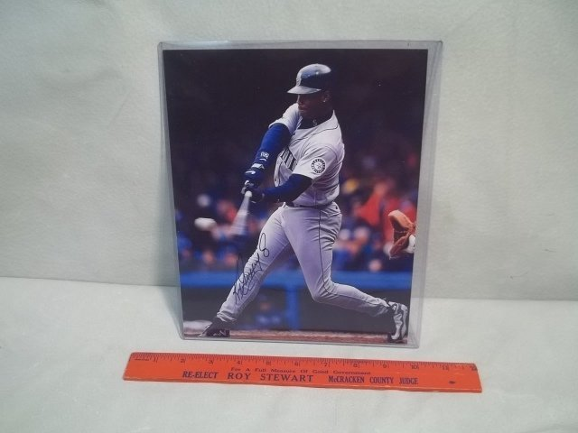 21: Ken Griffey Jr. Autographed Photo w/COA