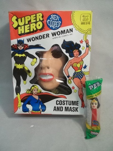 68: Vintage 1976 Wonder Woman Comic Costume & Pez