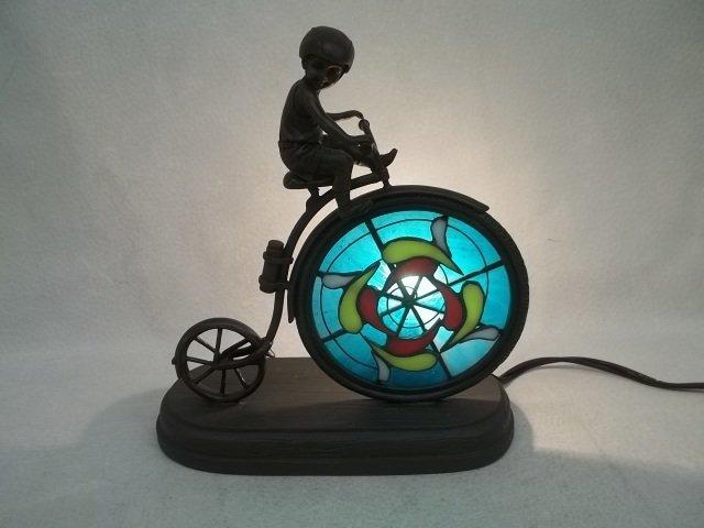 42: TiffanyStyle Bicycle Boy Lamp