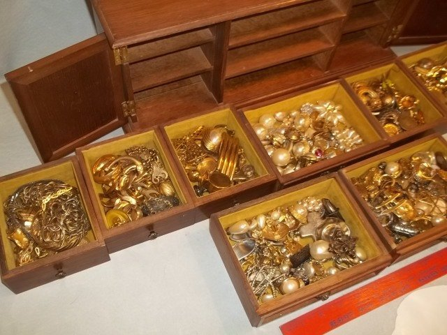 Huge Estate Jewelry Box FULL of Jewelry w Vintage - 2