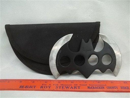 Batman Brass Knuckles Knife Batarang