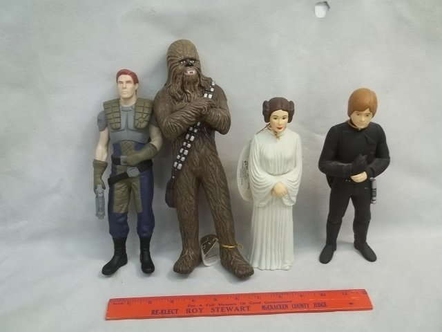 4 NWT Star Wars Figures