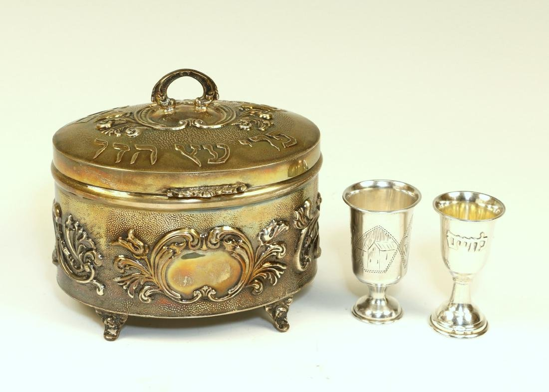 120. A STERLING SILVER ETROG CONTAINER AND TWO SILVER