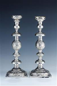 A PAIR OF STERLING SILVER CANDLESTICKS BY ALFRED