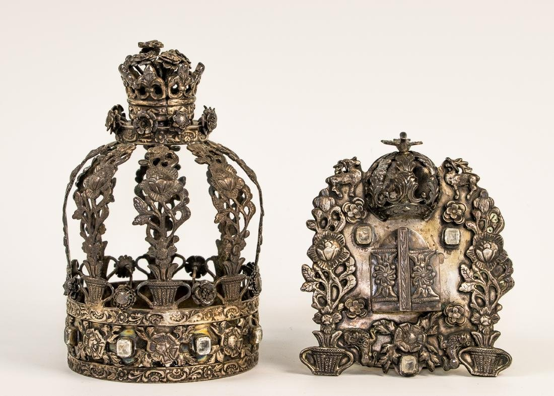 A MINIATURE SILVER TORAH CROWN AND MATCHING SHIELD.