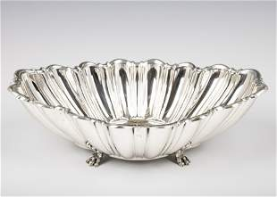 . A LARGE STERLING SILVER CENTERPIECE BOWL. Probably