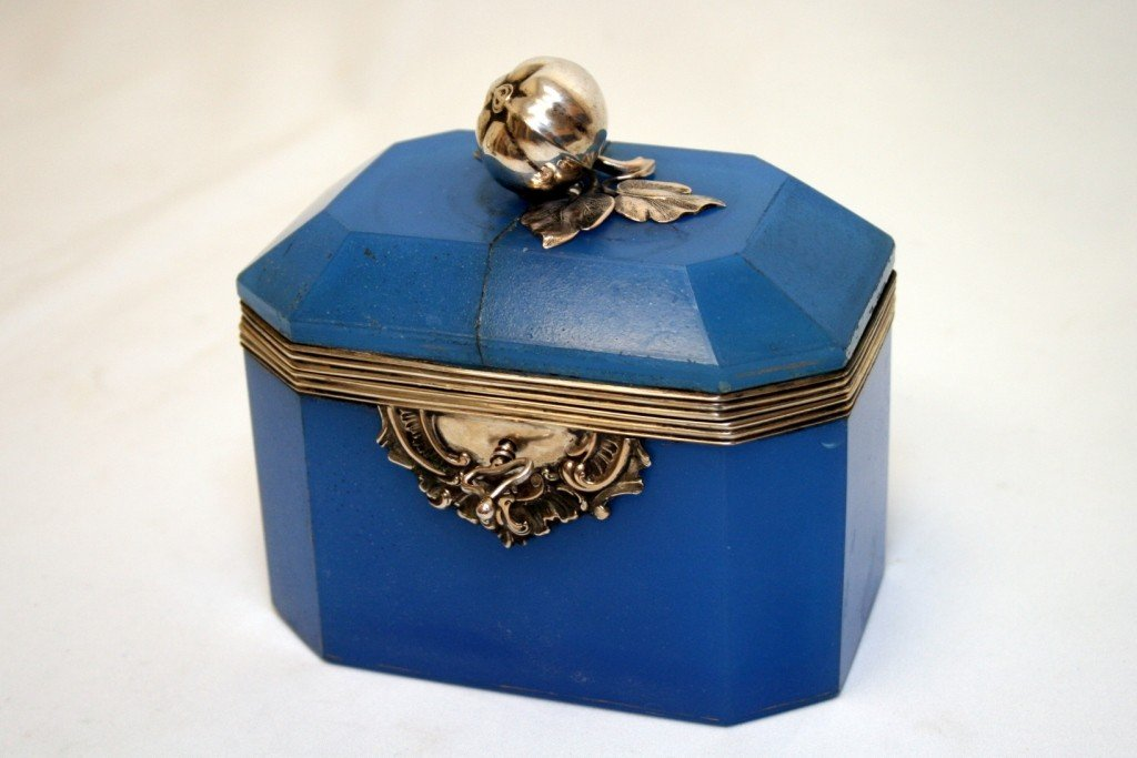 7: A BLUE GLASS AND SILVER BOX.