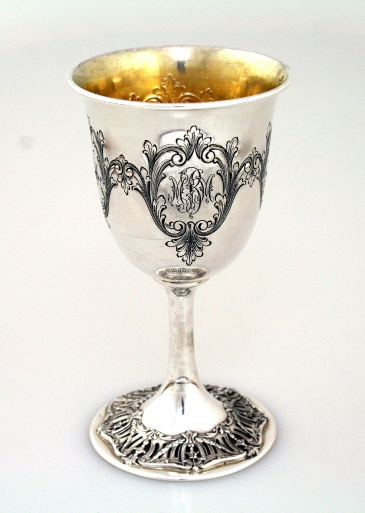 19: A LARGE STERLING SILVER GOBLET BY DOMINICK AND HAFF