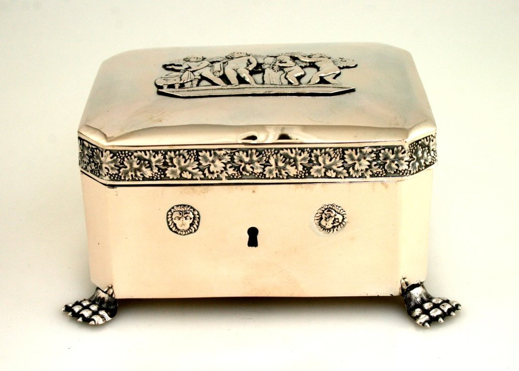 6: A LARGE SILVER BOX. Berlin, 1832.
