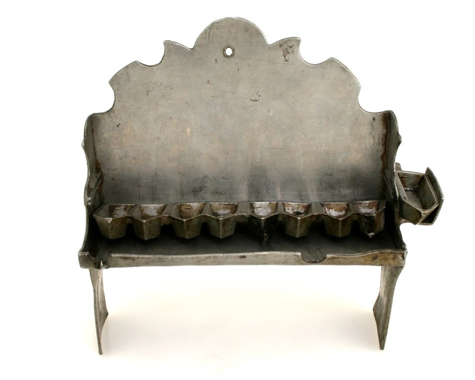 7: A PEWTER CHANUKAH LAMP. Germany, c. 1900.