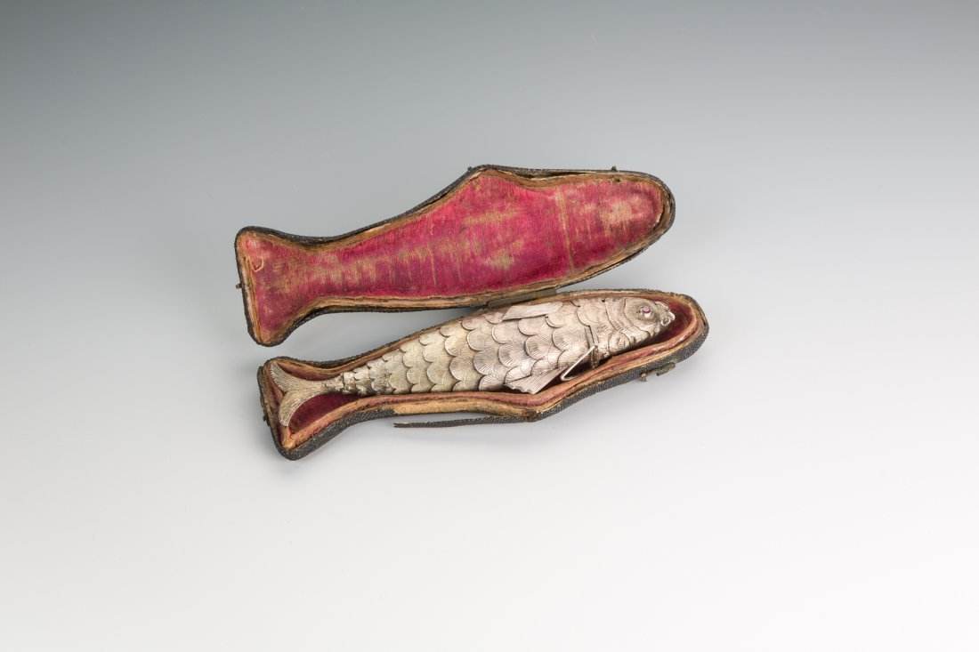 A FINE SILVER FISH SHAPED SPICE CONTAINER. Poland, c. 1