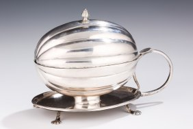 A LARGE SILVER ETROG CONTAINER. Russia, early 19th cent
