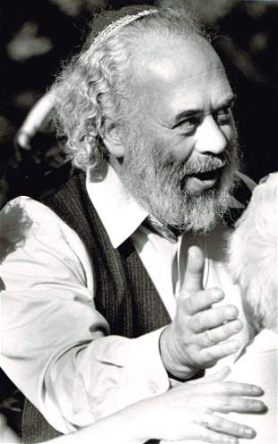 AN ORIGINAL PRESS PHOTO OF RABBI SHLOMO CARLEBACH