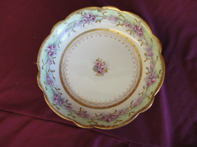 1013: Bowl, Floral and Gilt Embellishments, Made in Fra