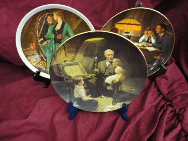 1054: Plates, Decorator Type, Norman Rockwell Scenes, N