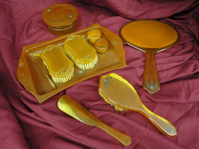 1059: Dresser Set, 3 -  Brushes, 2 - Small Lidded Conta