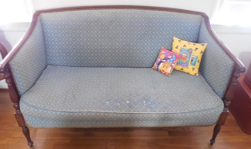 Sheraton Style Settee by Hickory
