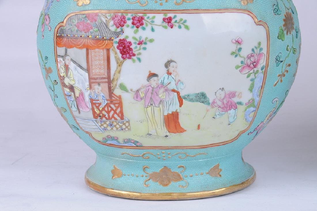 PAIR OF CHINESE EXPORT PORCELAIN COVERED JARS - 2