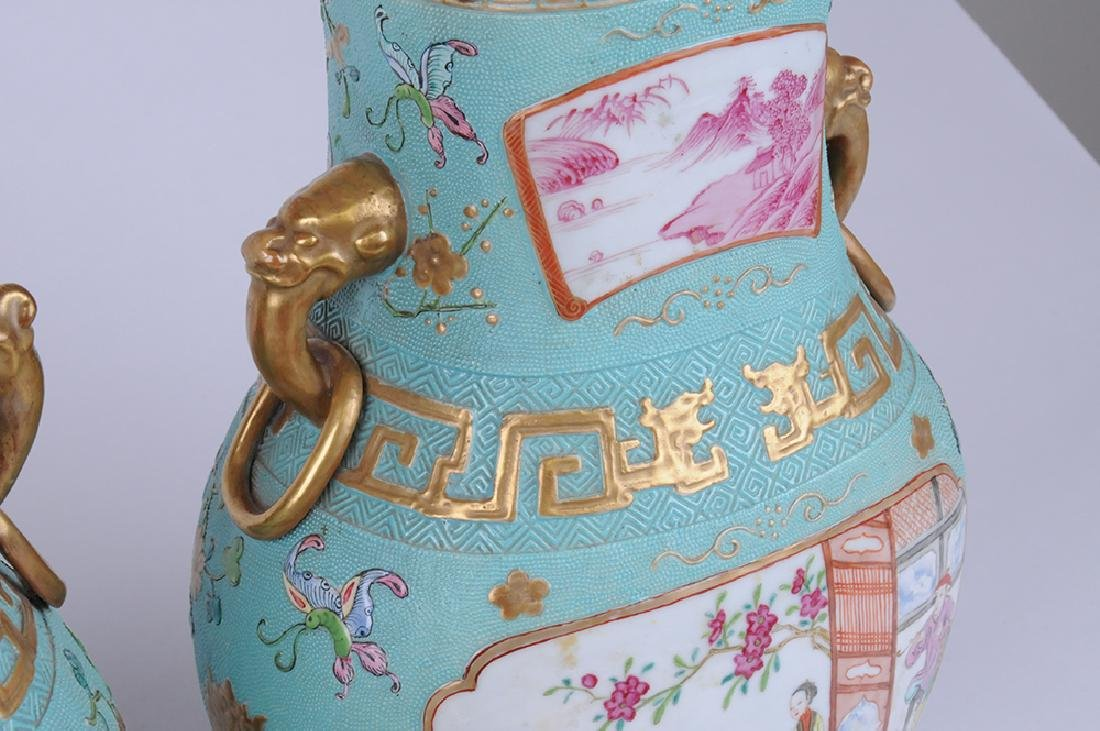 PAIR OF CHINESE EXPORT PORCELAIN COVERED JARS - 3