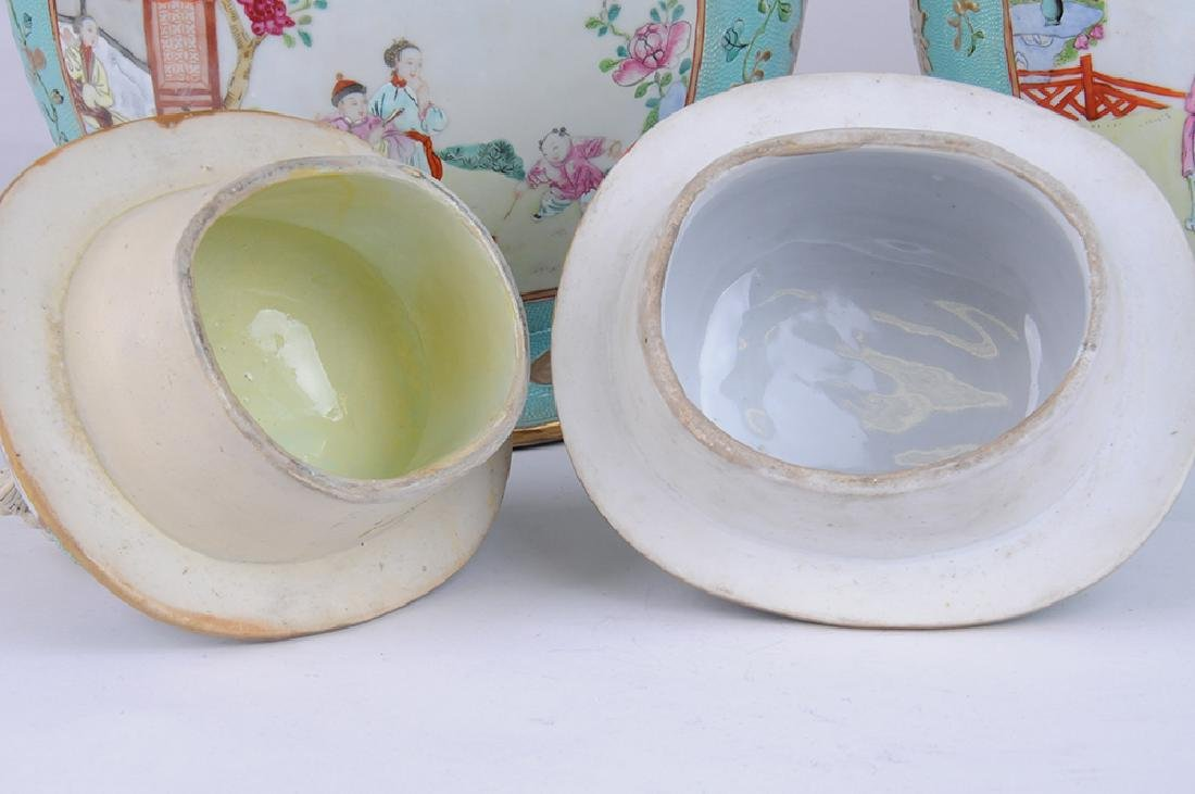 PAIR OF CHINESE EXPORT PORCELAIN COVERED JARS - 5