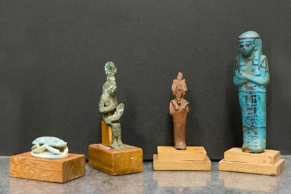GROUP OF ANCIENT EGYPTIAN PIECES