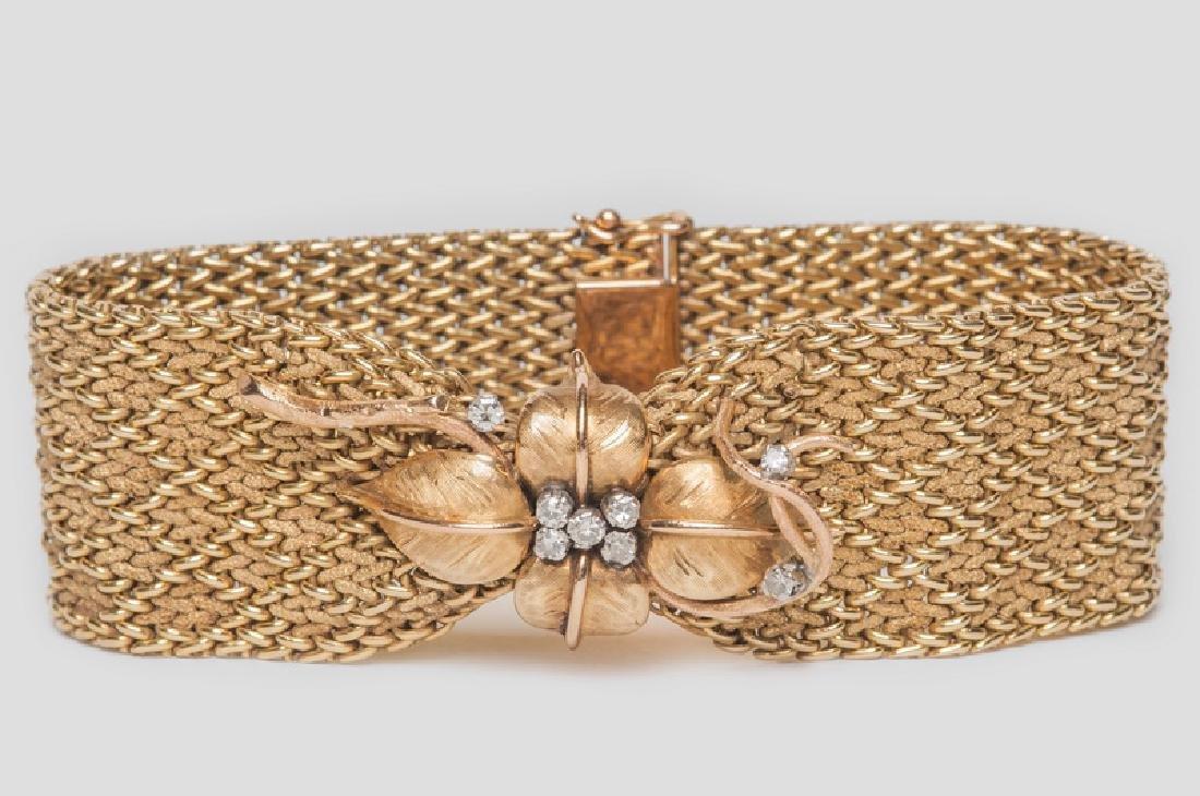 18 KARAT GOLD & DIAMOND PINCH BRACELET