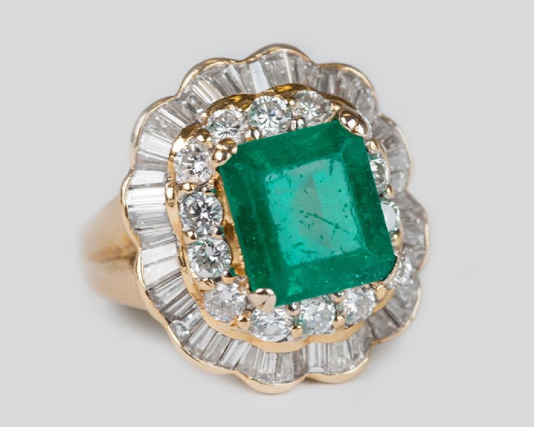 18 KARAT GOLD, DIAMOND, & EMERALD COCKTAIL RING