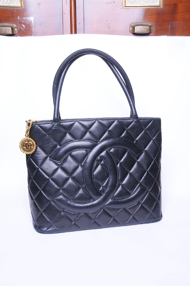 CHANEL: QUILTED MEDALLION TOTE - 10