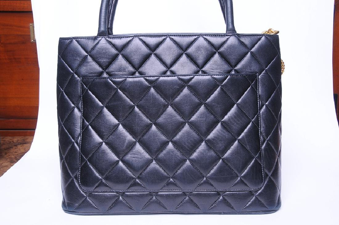 CHANEL: QUILTED MEDALLION TOTE - 6