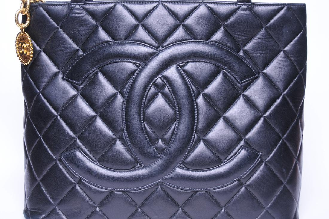 CHANEL: QUILTED MEDALLION TOTE - 8