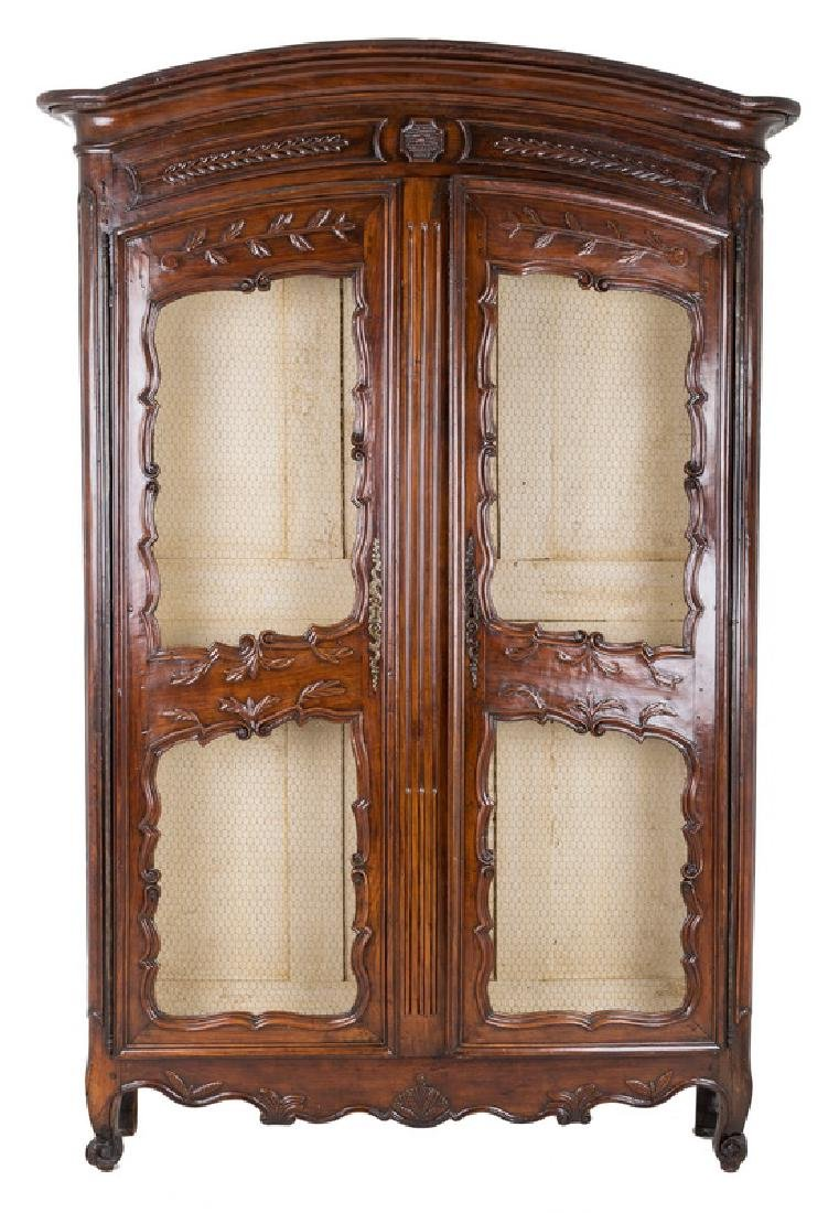FRENCH PROVINCIAL WALNUT AND MESH-FRONT BIBLIOTHEQUE