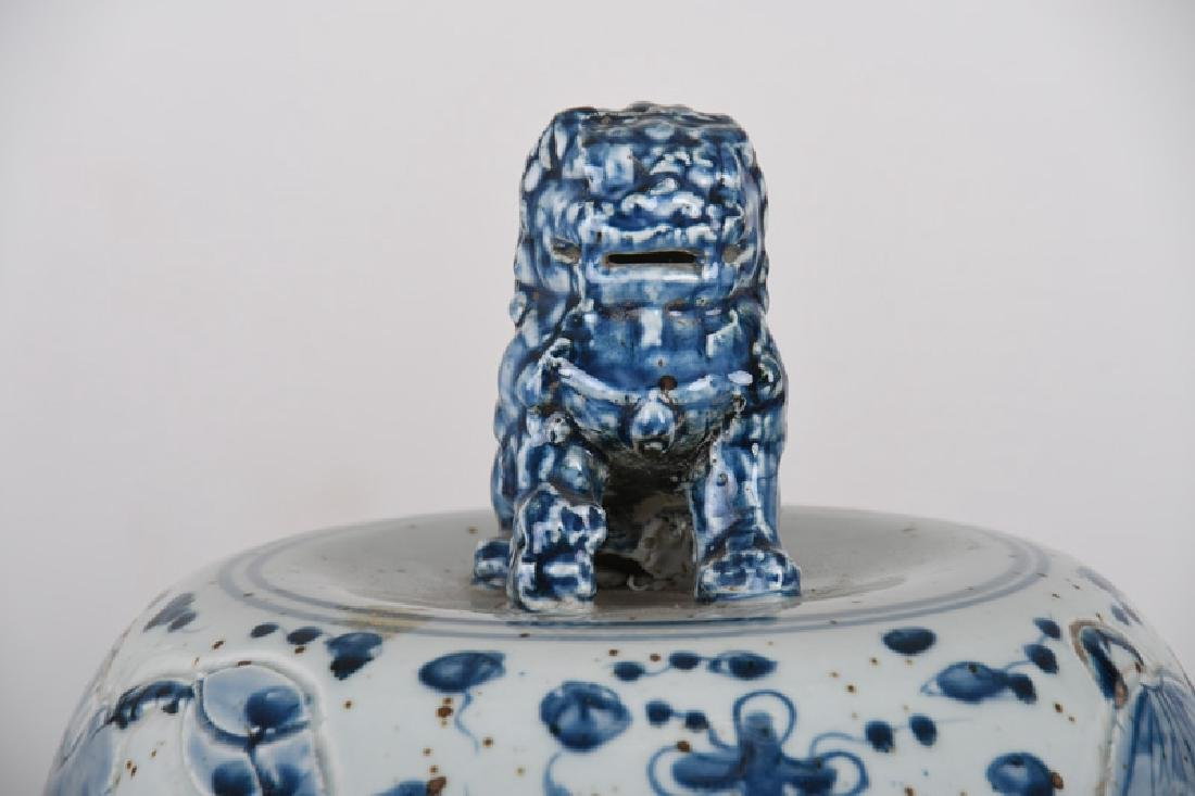 PAIR OF MONUMENTAL CHINESE BLUE & WHITE TEMPLE URNS - 4