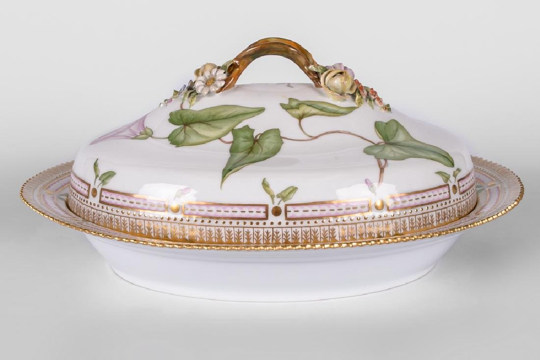 "ROYAL COPENHAGEN ""FLORA DANICA"" PORCELAIN VEGETABLE"