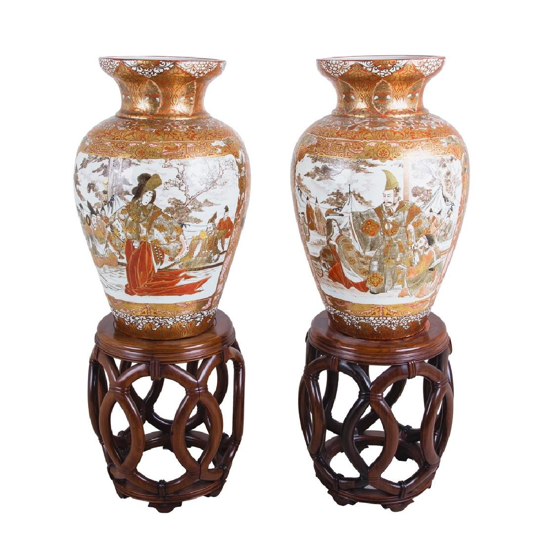 PAIR OF JAPANESE IMARI PORCELAIN URNS