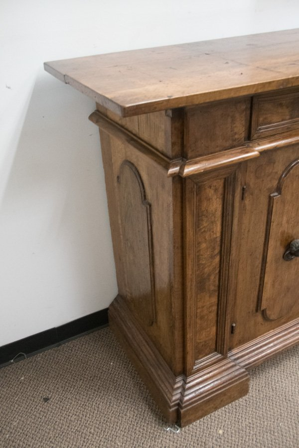 ITALIAN WALNUT SIDEBOARD - 10