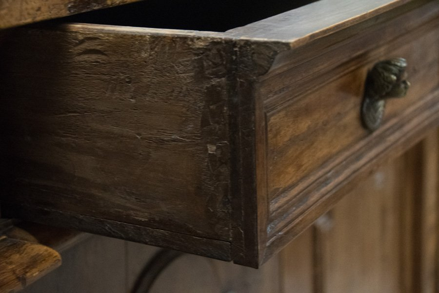 ITALIAN WALNUT SIDEBOARD - 3