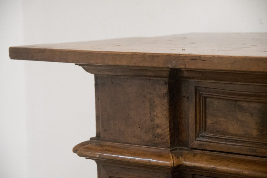ITALIAN WALNUT SIDEBOARD - 5