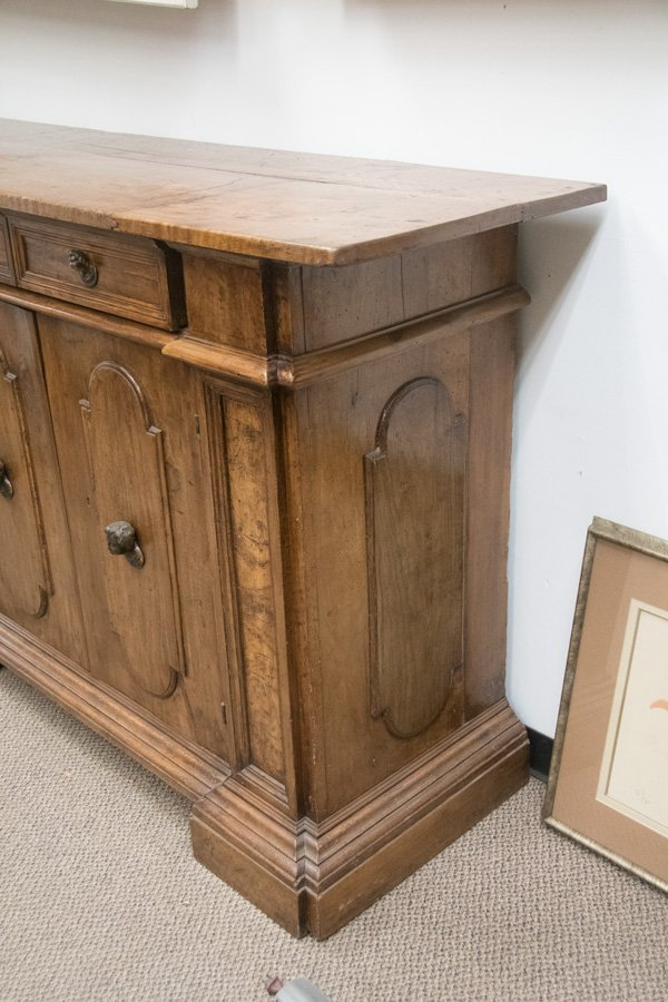 ITALIAN WALNUT SIDEBOARD - 8