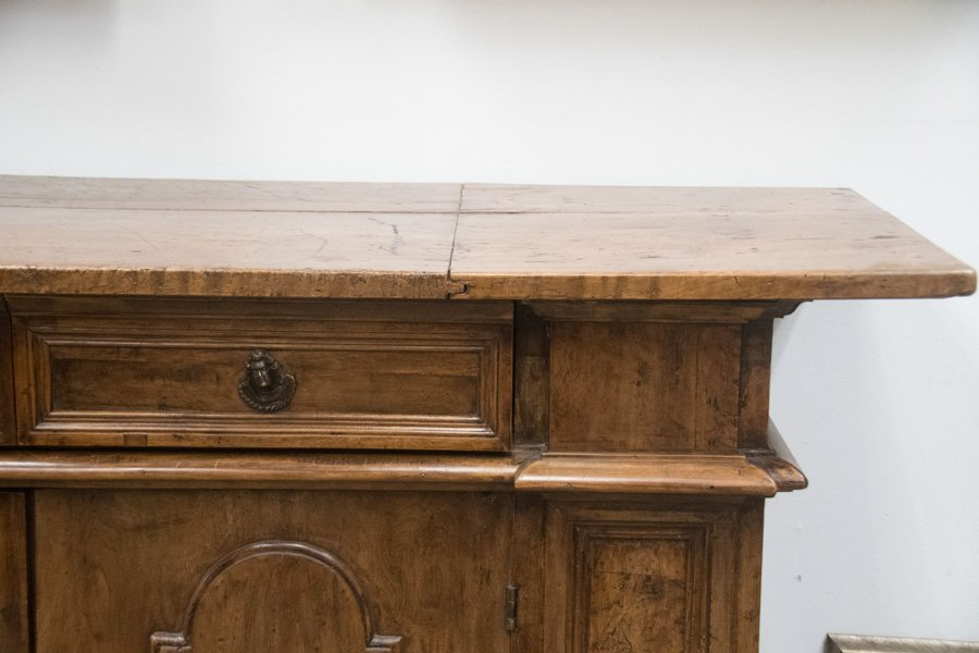ITALIAN WALNUT SIDEBOARD - 9