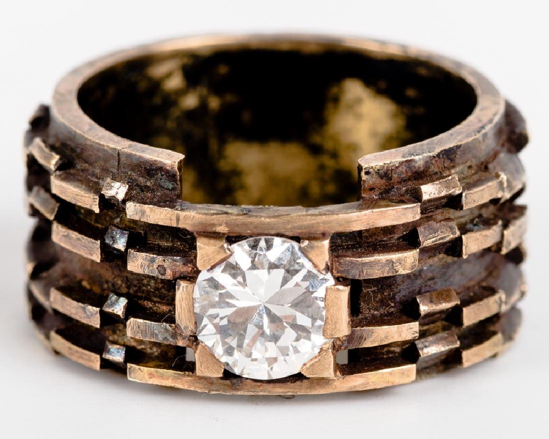GENTLEMAN'S 14 KARAT GOLD & DIAMOND RING